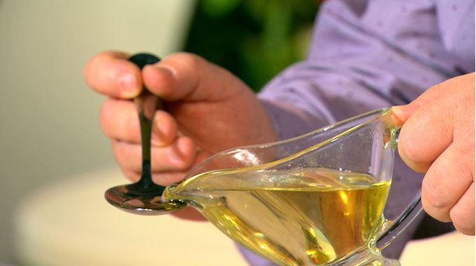 Для чего рекомендуют сосать растительное масло