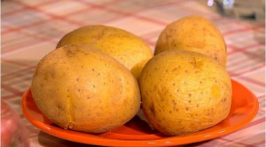 Картофель лучше варить в мундире