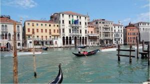 На лиственничных сваях до сих пор стоит Венеция
