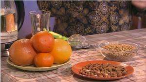Пророщенные семена с фруктами